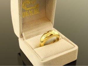 18 karaat gouden ring van het merk Drache met briljant.