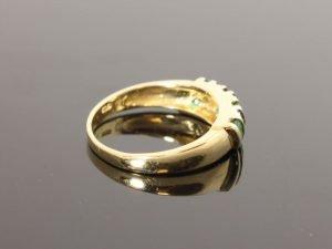 14 karaat gouden ring met smaragd en briljant.