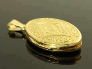 14 karaat gouden medaillon.