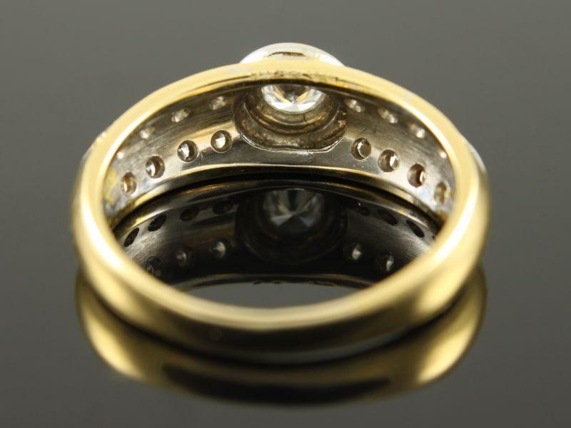 18 karaat bicolor gouden ring met briljant.