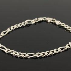 Zilveren schakelarmband met figaro schakel.