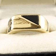 14 karaat gouden zegel ring met onyx.
