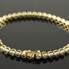 18 karaat gouden armband met zirkonia.