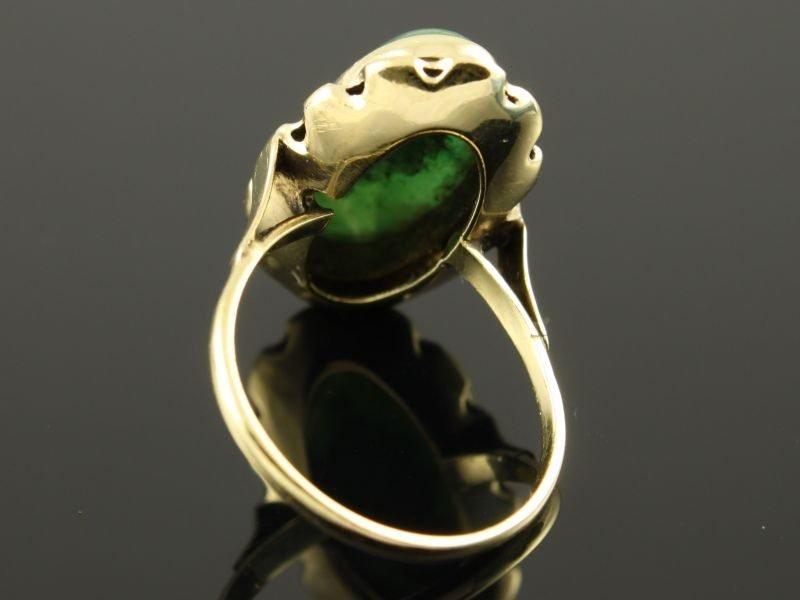 14 karaat gouden ring met Jade edelsteen.