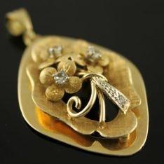 14 karaat gouden hanger met zirkonia.