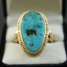 14 karaat gouden ring met Turkoois steen.