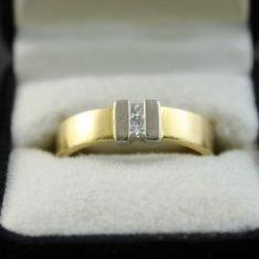 18 karaat gouden ring met briljant .