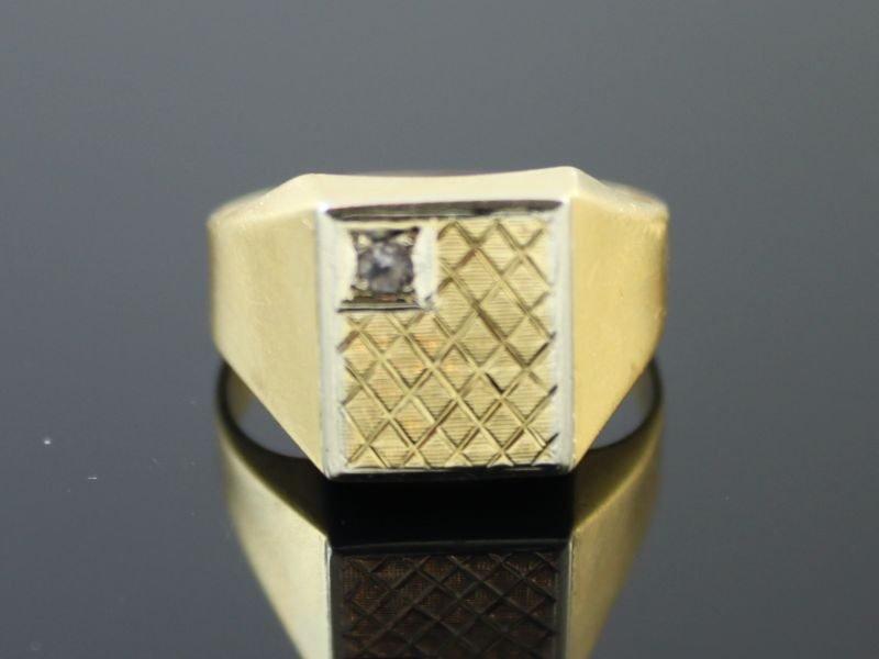 18 karaat gouden zegel ring met briljant.