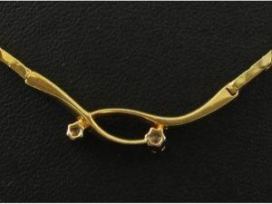 14 karaat gouden collier met briljant.