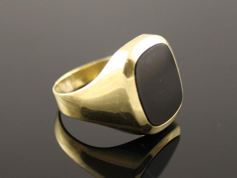 14 karaat gouden zegelring met onyx.