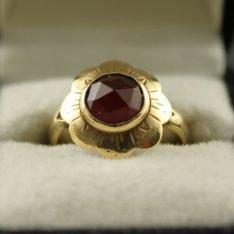 14 karaat gouden ring met carneool